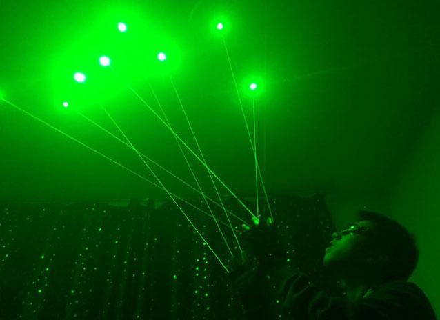 grüner Laser Handschuhe