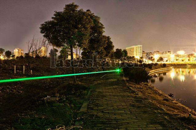 Militärische Laserpointer 5000mW Grün Klasse 4