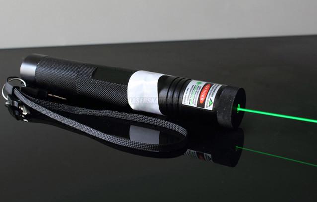 leistungsstarker laserpointer